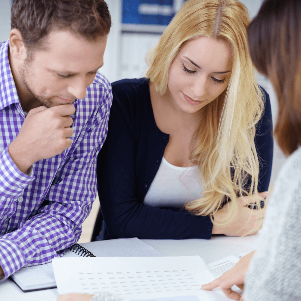 beginners-guide-first-mortgage-couple-broker.png