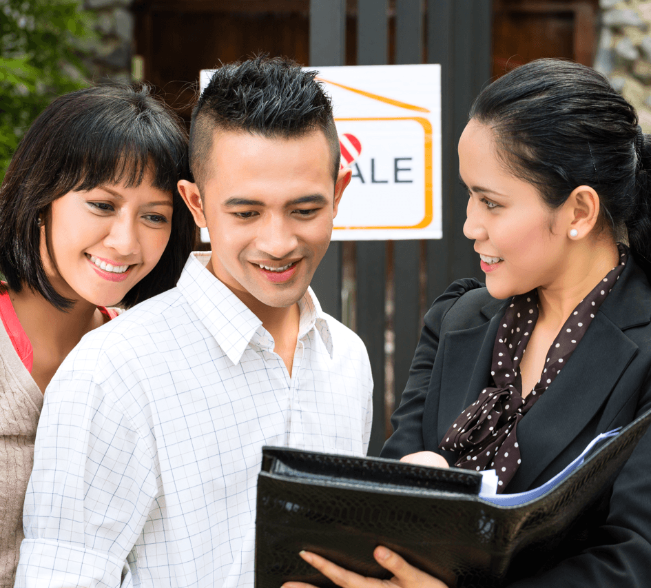 Getting a Mortgage Finding the Right Lender Couple Image