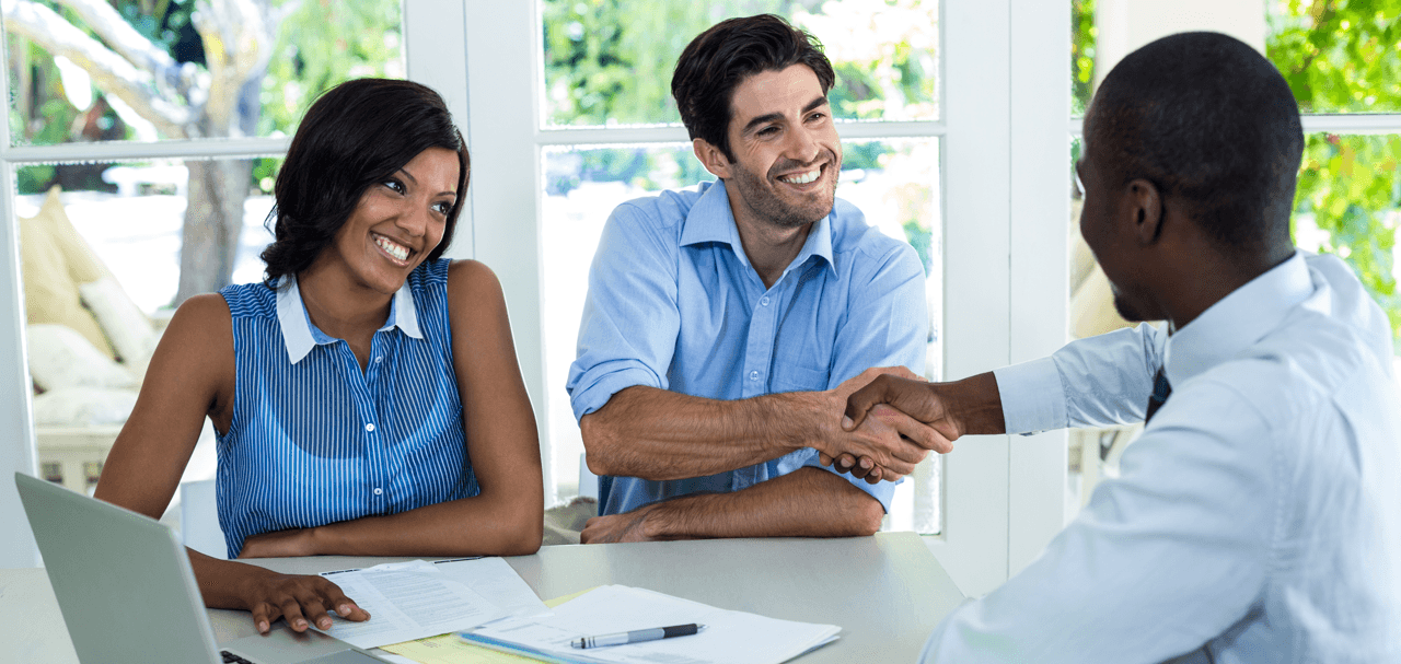 Getting a Mortgage Finding the Right Lender Handshake Featured Image