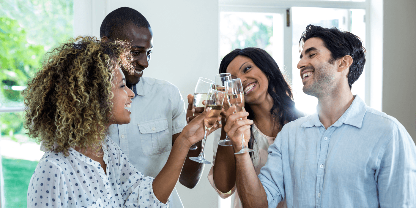 Tips for Hosting a Housewarming Party Friends Featured Image